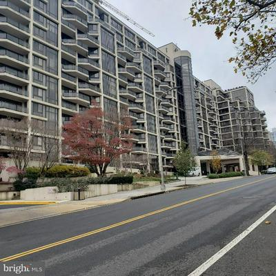1530 KEY BLVD APT 1319, ARLINGTON, VA 22209 - Photo 1