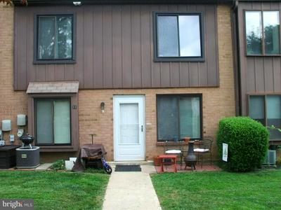5200 HILLTOP DR APT E11, BROOKHAVEN, PA 19015 - Photo 1