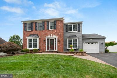 25 HEDGEROW DR, FAIRLESS HILLS, PA 19030 - Photo 1
