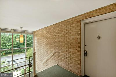 2905 CHARING CROSS RD APT 9, FALLS CHURCH, VA 22042 - Photo 2