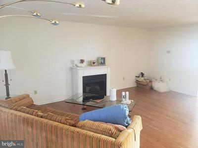 215 COUNTRY RIDGE DR, RED LION, PA 17356 - Photo 2