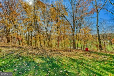 89 FOXFIRE LN, LEWISBERRY, PA 17339 - Photo 2