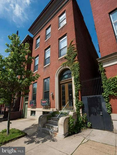 812 PARK AVE, BALTIMORE, MD 21201 - Photo 2