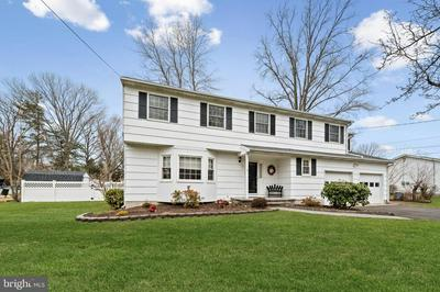 33 PINEY BRANCH RD, EAST WINDSOR, NJ 08512 - Photo 2