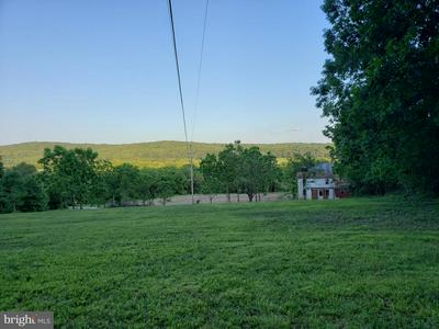 955 DETTERS MILL RD, DOVER, PA 17315 - Photo 1