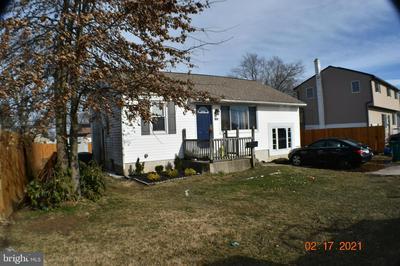 1033 GREEN LN, LEVITTOWN, PA 19057 - Photo 1