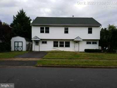 2 LONG LOOP RD, LEVITTOWN, PA 19056 - Photo 1