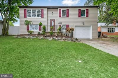 2014 LINCOLN ST, CAMP HILL, PA 17011 - Photo 1