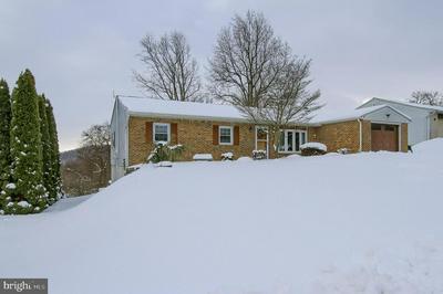 414 JENNIFER DR, NEW CUMBERLAND, PA 17070 - Photo 1