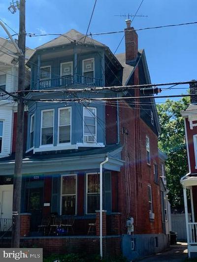 525 MONMOUTH ST, TRENTON, NJ 08609 - Photo 1
