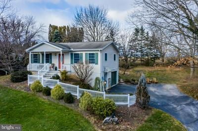 213 HILLTOP RD, BOILING SPRINGS, PA 17007 - Photo 1