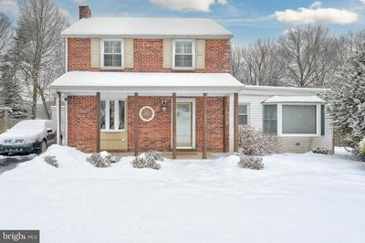 13 HIGHLAND DR, CAMP HILL, PA 17011 - Photo 1