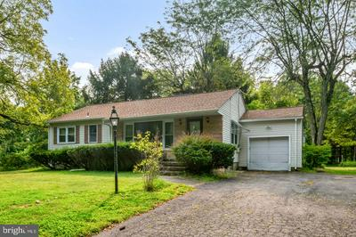 104 SEARCH AVE, PENNINGTON, NJ 08534 - Photo 2