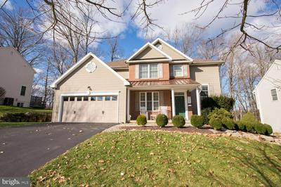 3154 OVERLOOK DR, ALLENTOWN, PA 18049 - Photo 1