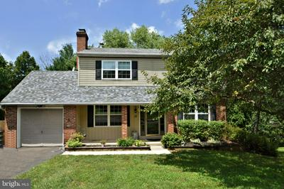 13 IROQUOIS DR, ROYERSFORD, PA 19468 - Photo 1