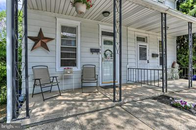 306 S CHARLES ST, DALLASTOWN, PA 17313 - Photo 2