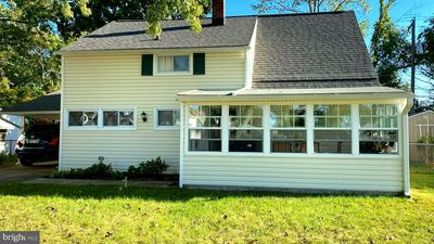 102 GOLDENRIDGE DR, LEVITTOWN, PA 19057 - Photo 2