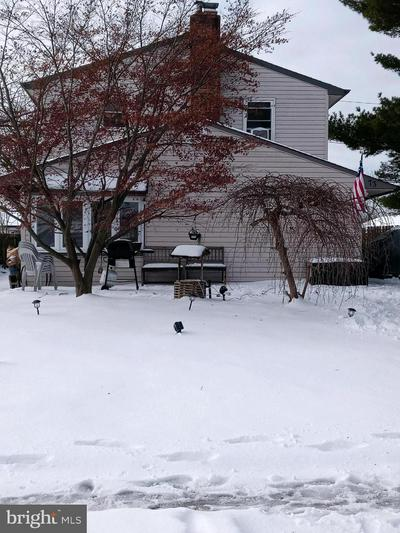 73 OLD BROOK RD, LEVITTOWN, PA 19057 - Photo 1