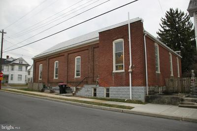 101 S WASHINGTON ST, GREENCASTLE, PA 17225 - Photo 2