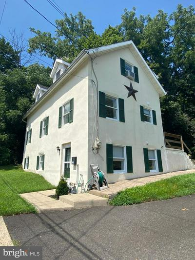 375 E STATE ST, DOYLESTOWN, PA 18901 - Photo 1