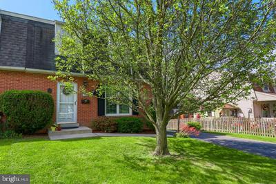 22 W CHARLOTTE ST, MILLERSVILLE, PA 17551 - Photo 1