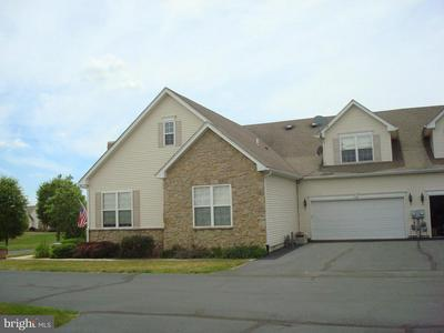 2040 ROSE DR, PENNSBURG, PA 18073 - Photo 1