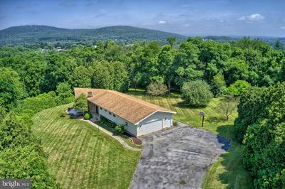 125 TWIN HILLS RD, DILLSBURG, PA 17019 - Photo 1