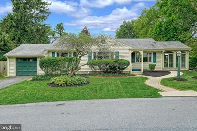 527 COUNTRY CLUB RD, CAMP HILL, PA 17011 - Photo 1