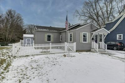 68 REUTER AVE, Pittsfield, MA 01201 - Photo 1