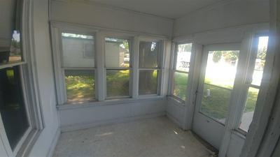 405 11TH AVE, Holdrege, NE 68949 - Photo 2