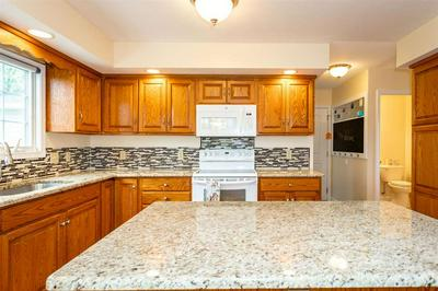 319 ROBIN ROOST CT, Broadway, VA 22815 - Photo 2