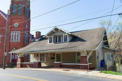 928 W BEVERLEY ST, STAUNTON, VA 24401 - Photo 2