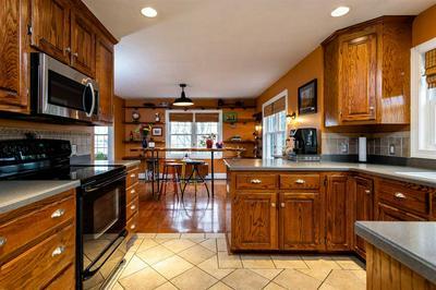 39 LIME ROCK LN, STAUNTON, VA 24401 - Photo 2