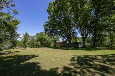 402 GREENWOOD FARMS RD, BARBOURSVILLE, VA 22923 - Photo 2