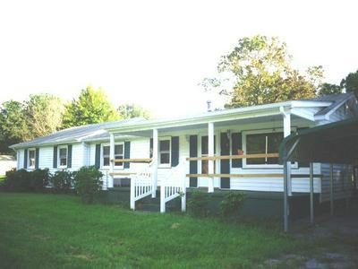335 SANDY RIDGE RD, WAYNESBORO, VA 22980 - Photo 2