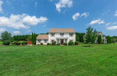 401 WINDING WAY, WAYNESBORO, VA 22980 - Photo 2