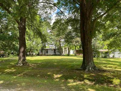 112 JEFFERSON ST, Lonoke, AR 72086 - Photo 1