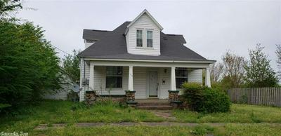 106 8TH ST, Mena, AR 71953 - Photo 1
