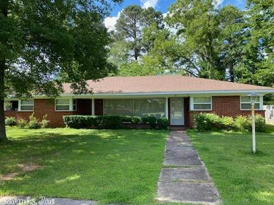 418 W 3RD ST, Lonoke, AR 72086 - Photo 2
