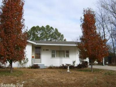 204 W ENGLAND AVE, Marmaduke, AR 72443 - Photo 1