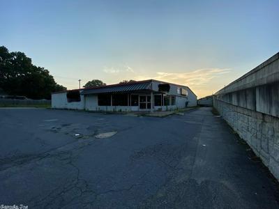 1300 EDISON AVE, Benton, AR 72015 - Photo 2