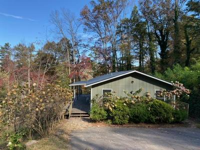 602 FRANKLIN FARM RD, Franklin, NC 28734 - Photo 1