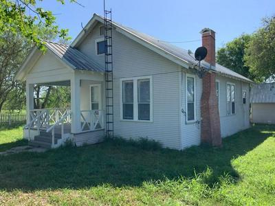 117 HARRISON RD, Beeville, TX 78102 - Photo 2