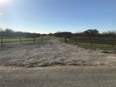 199 COUNTY ROAD 129, Alice, TX 78332 - Photo 2