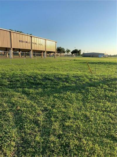 317 N 8TH ST, Skidmore, TX 78389 - Photo 2