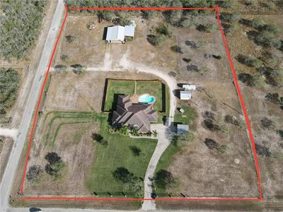 118 SUMMERS LN, Alice, TX 78332 - Photo 2