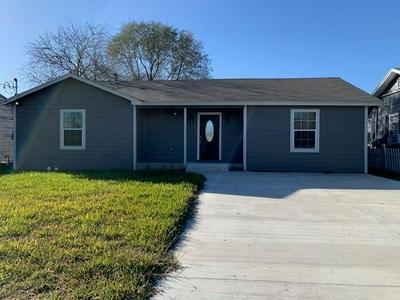 122 W AVENUE J, Robstown, TX 78380 - Photo 1