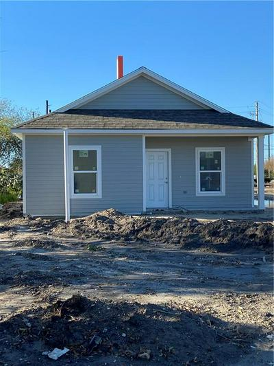 1750 17TH ST, Corpus Christi, TX 78404 - Photo 1