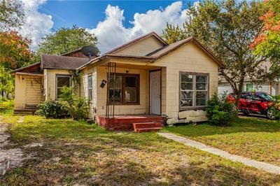 214 W MAIN AVE, Robstown, TX 78380 - Photo 2