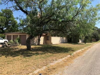 112 N ISLEY ST, Sinton, TX 78387 - Photo 2